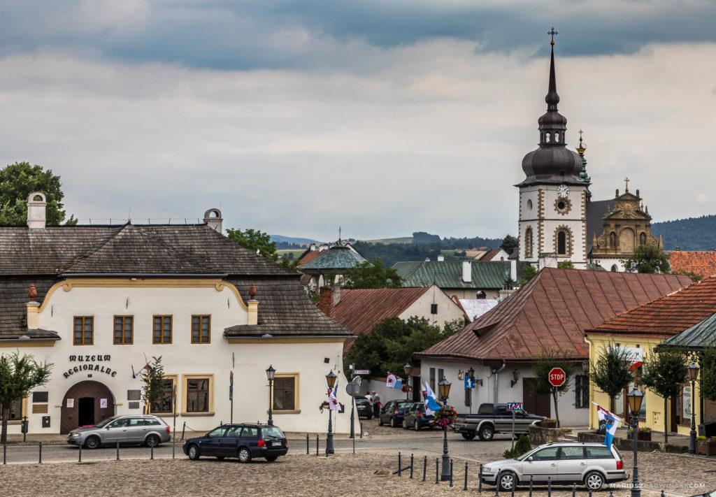 Wokół Jeziora Rożnowskiewgo.